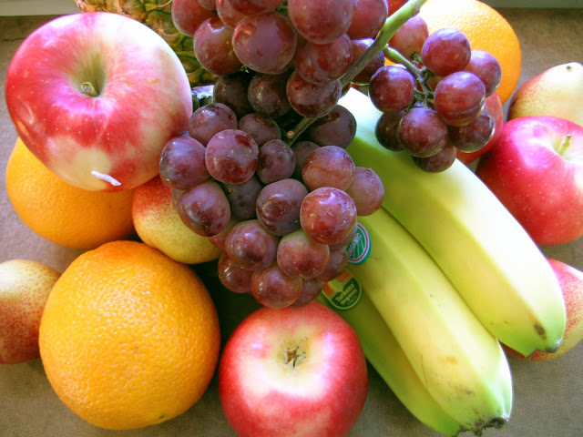 صورة توفير الفاكهة مجانا لتلاميذ مدارس جزر الكناري الأسبانية
