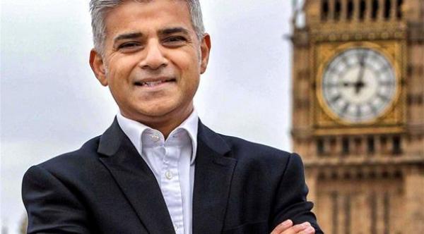 صورة صادق خان من أصل باكستاني  يفوز بمنصب عمدة لندن كأول مسلم يفعلها في تاريخ بريطانيا