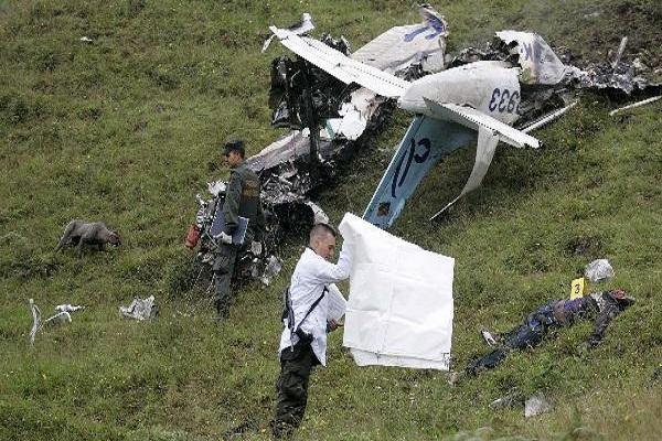 صورة مقتل 3 فرنسيين في تحطم طائرتهم بإسبانيا