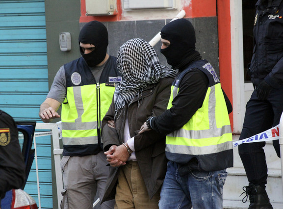 """صورة خطير..محاكمة """"دواعش"""" مغاربة هددوا الملك محمد السادس"""
