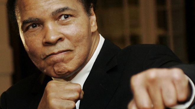 صورة وفاة أسطورة الملاكمة الأمريكي محمد علي كلاي عن عمر يناهز 74 عاما