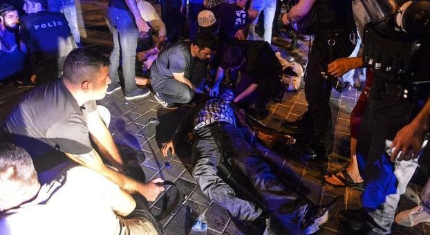صورة مصرع مغربي  بتركيا استجاب لنداء أرودغان في التصدي للانقلاب العسكري الفاشل