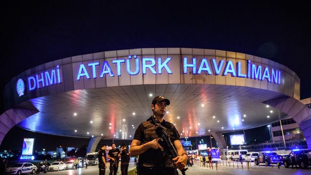 صورة تركيا:منفذي هجمات مطار أتاتورك الثلاثة مواطنون من روسيا وجمهوريتي أوزبكستان وقيرغيزستان في آسيا الوسطى