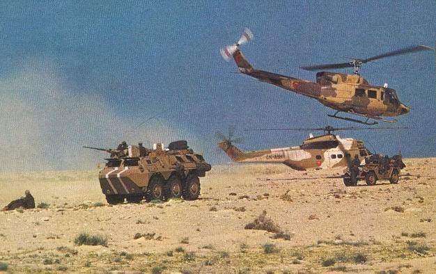 صورة وحدات من الجيش والدرك المغربي تدخل الى المنطقة الفاصلة بين المغرب وموريتانيا لأسباب أمنية