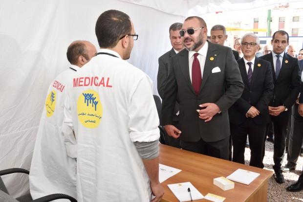 صورة الملك محمد السادس يعطي انطلاقة حملة تضامنية طبية ومركز صحي للقرب بالدار البيضاء