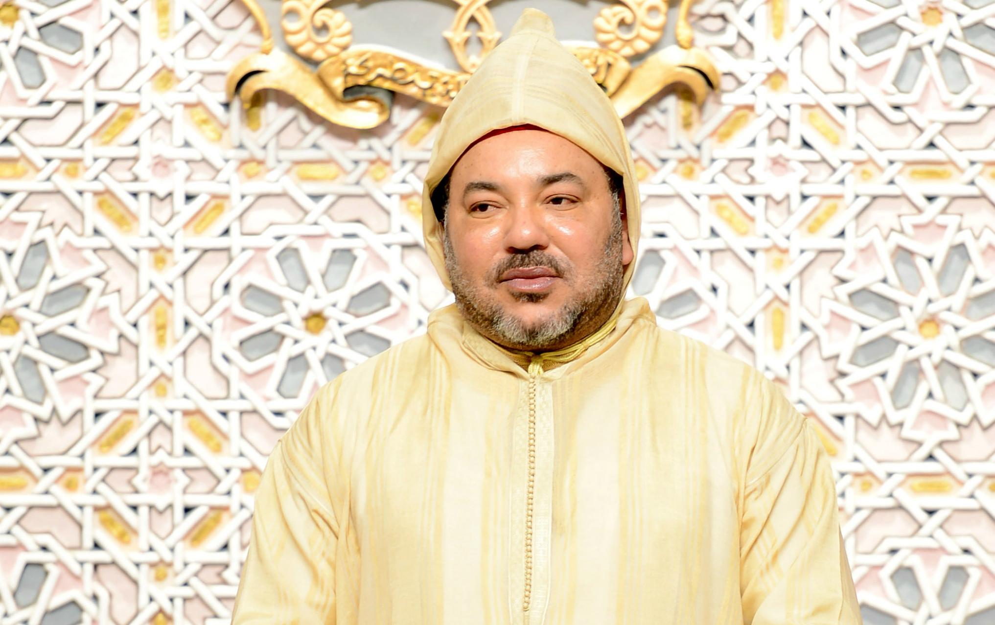 """صورة عاجل : الملك يدخل على الخط في قضية """"محسن فكري"""" بائع السمك و هذا ما قام به + فيديو"""