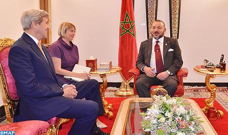 صورة الملك  محمد السادس يتباحث بمراكش مع وزير الخارجية الامريكي